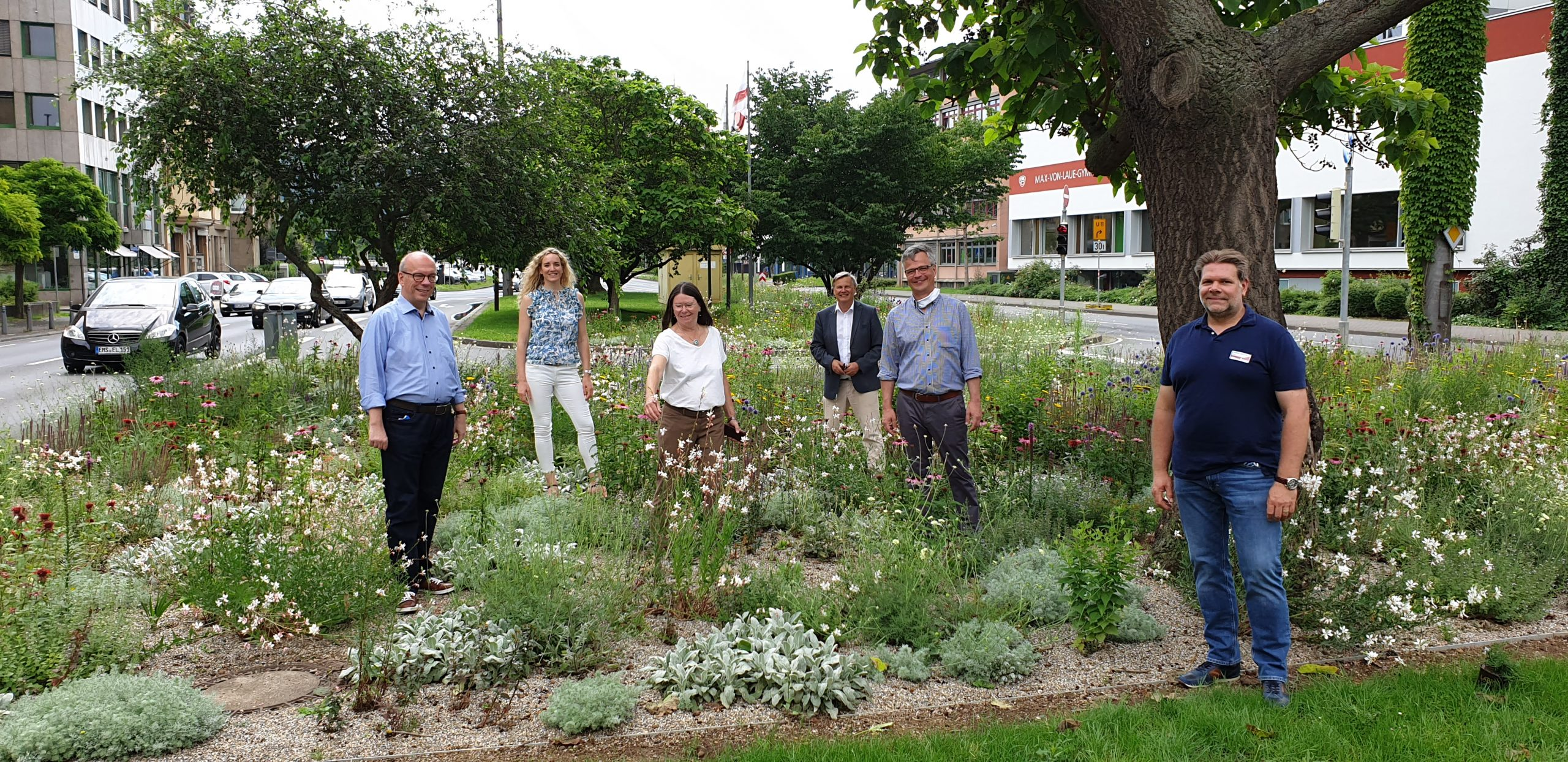 Umweltministerin Ulrike Höfken besucht Blühinsel am Friedrich-Ebert-Ring