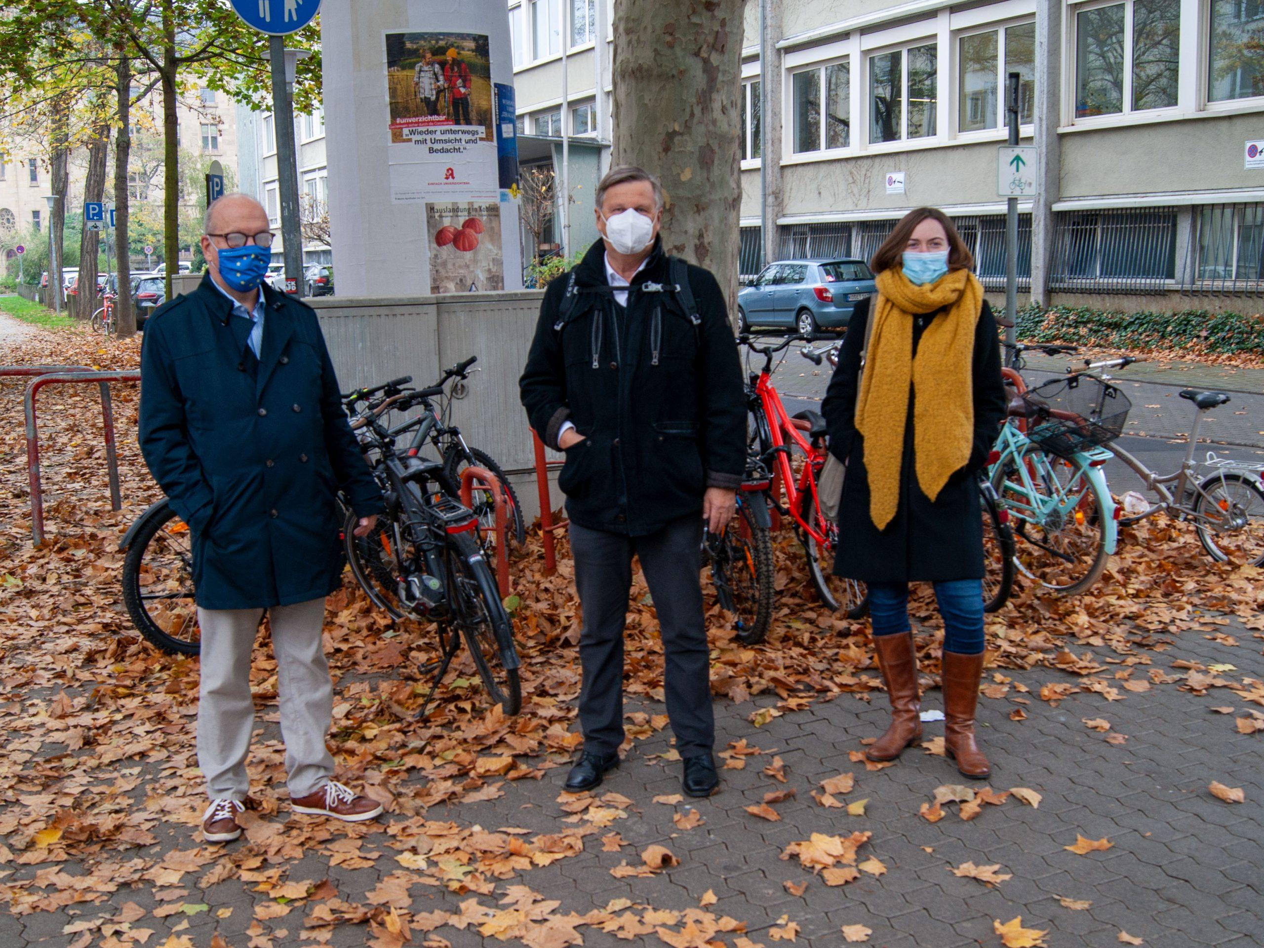 Grüne fordern mehr Abstellmöglichkeiten für Fahrräder an Schulen